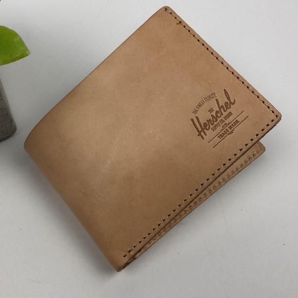 The Herschel supply Co. Brand men s leather wallet 87ad864f85ecd